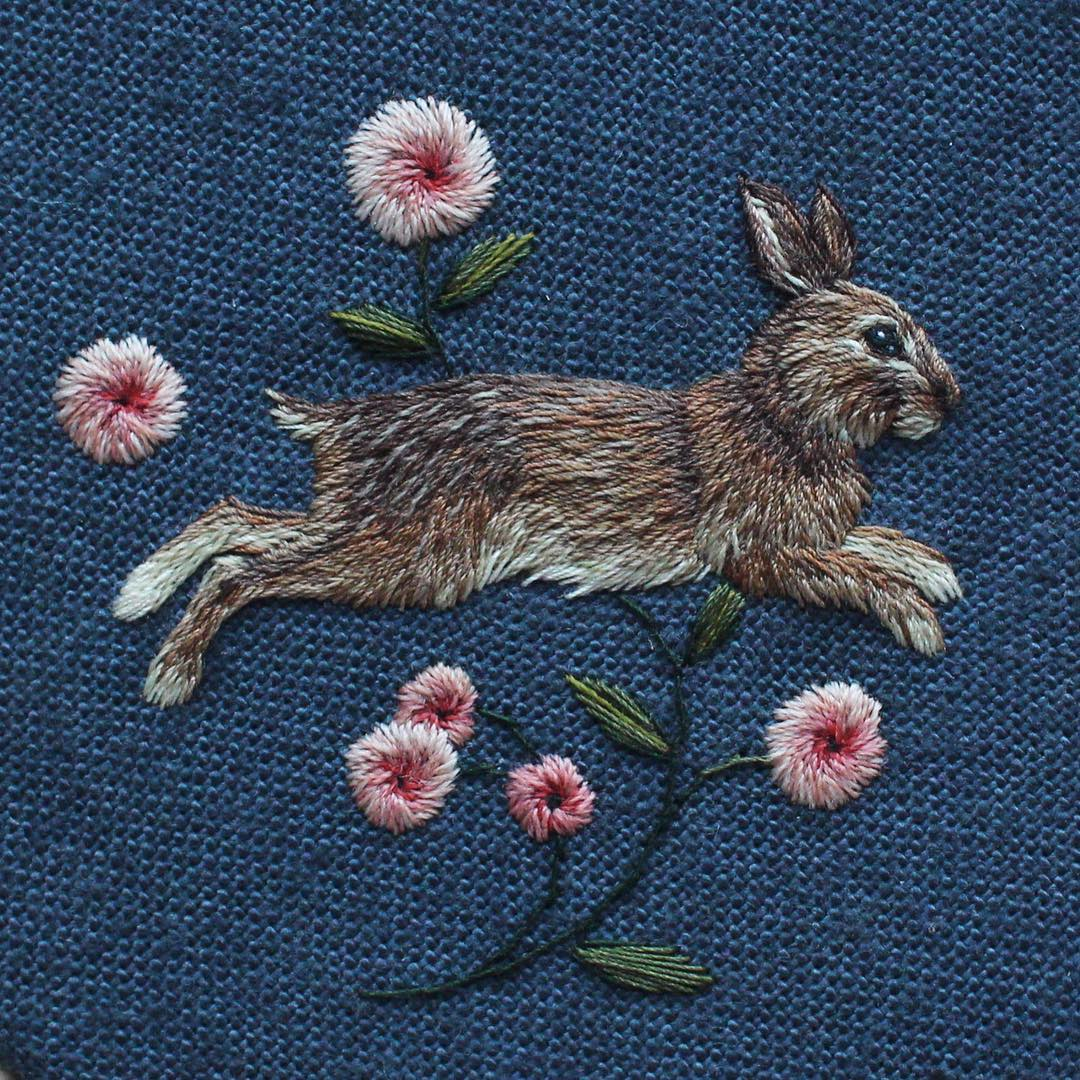 chloegiordano_embroidery rabbit rabbit